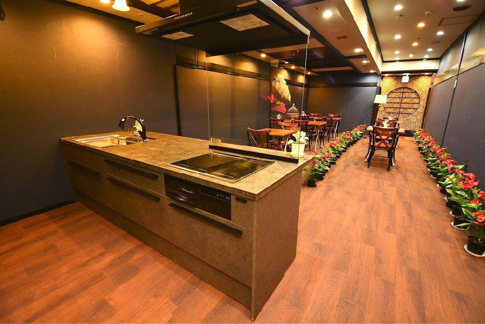 カッコイイキッチンのある空間 ボーダーレスカフェ